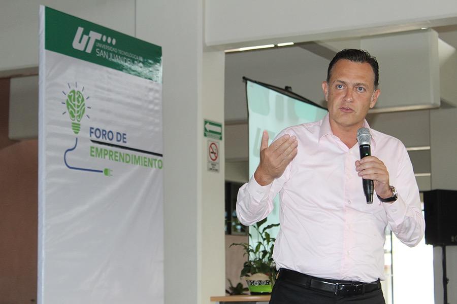 Photo of Realizan Foro de Emprendedurismo en la UTSJR