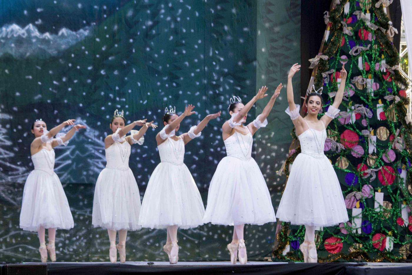 Photo of Música, danza y teatro para celebrar la navidad en la Alameda Hidalgo