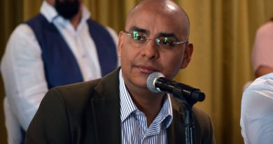 Funcionarios municipales pedirán licencias por Ley: Marcos Aguilar