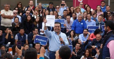 Recibe Luis Bernardo Nava candidatura a alcaldía; Pancho felicita a candidatos