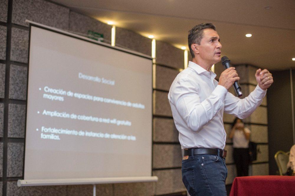 Photo of Rechaza Adolfo Ríos propuestas «indecorosas»
