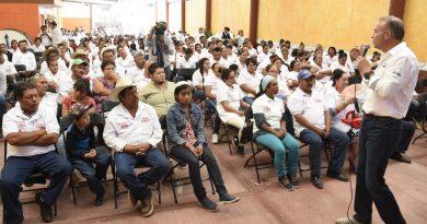 Se suman 250 militantes del PAN y PRD a Mario Calzada