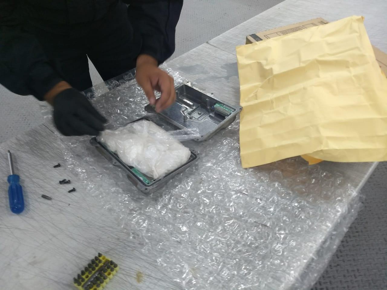 Photo of Detectan droga en el AIQ