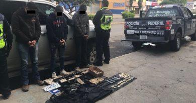 Policía Federal detiene a tres sujetos con armas, municiones y equipamiento táctico