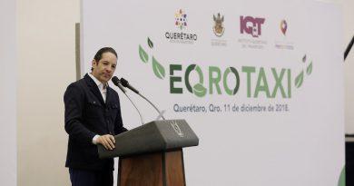 Da Gobernador banderazo de salida al EQroTaxi