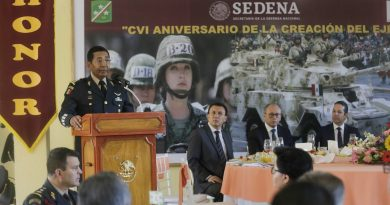 Asiste Gobernador a conmemoración por Día del Ejército