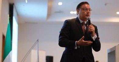 Separa Domínguez a Aguilera de la Secretaría del Trabajo