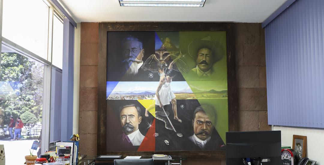 Photo of Donan a la UAQ pintura  seleccionada en Bienal Nacional