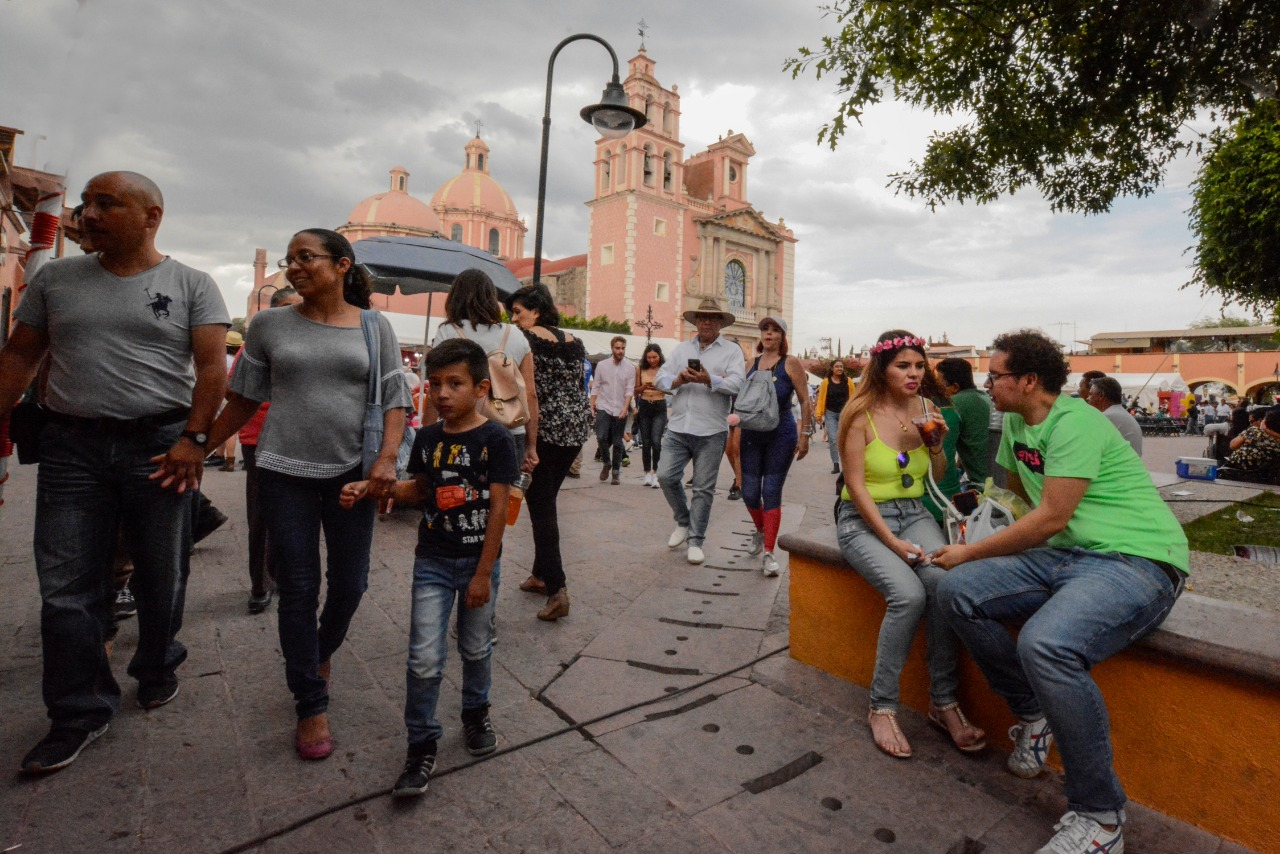Photo of Con recorridos a pie buscan reactivar turismo en Querétaro