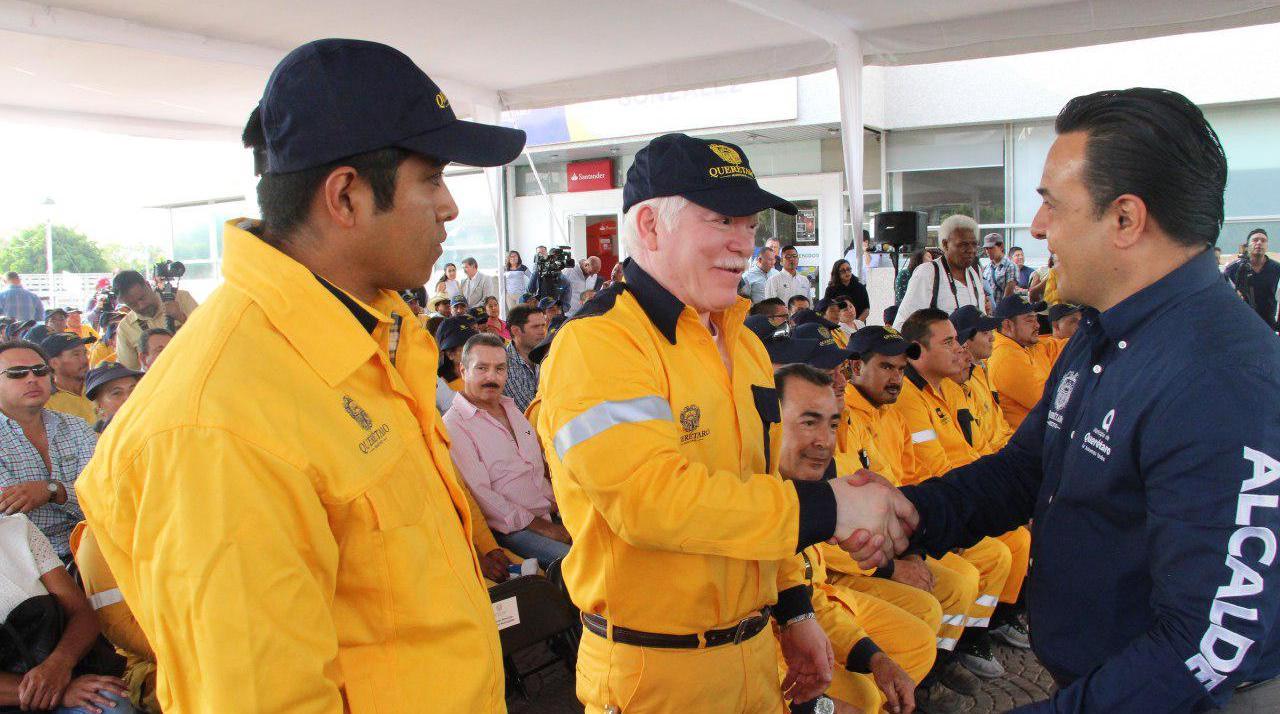 Photo of Entrega Nava equipo a Servicios Públicos