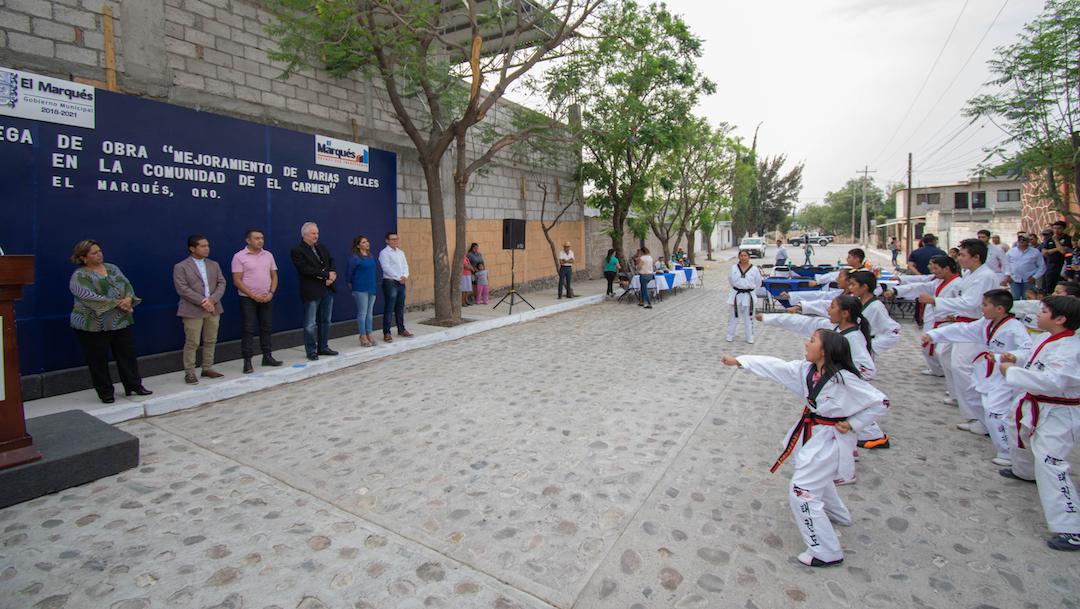 Photo of Enrique Vega entrega obras de mejoramiento urbano en Amazcala y El Carmen
