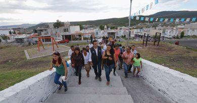 Recorre Luis Nava calles de Paseos del Pedregal