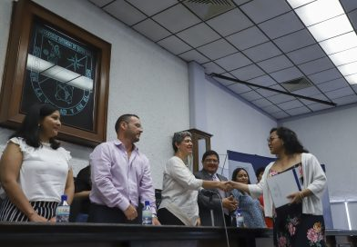 Se gradúan alumnos del Bachillerato Semiescolarizado de la UAQ
