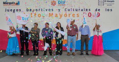 Compiten 700 adultos mayores de El Marqués en atletismo, danza, canto, dominó y ajedrez