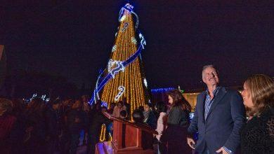 Photo of Enrique Vega encabezó el encendido del árbol navideño
