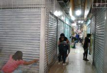 Photo of Locatarios del mercado Escobedo se quejan del cierre de sus locales